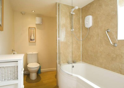 brook-house1-bathroom